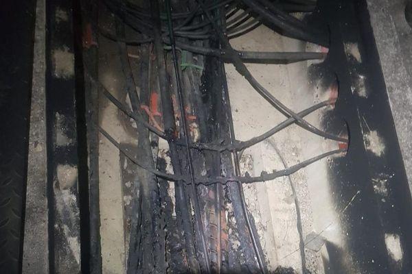 Des câbles électriques situés en sous-sol le long de la ligne LGV ont été incendiés
