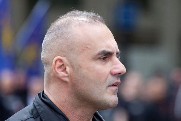 Serge Ayoub est un militant politique français, leader du groupe d'extrême droite Jeunesses nationalistes révolutionnaires et du mouvement Troisième Voie des années 2010.