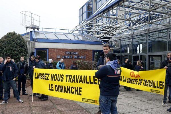 Manifestation des employés de Castorama le 30 novembre 2012 devant le Tribunal de Bobigny.
