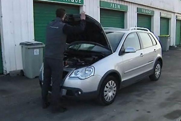 Les voitures n'aiment pas le froid, et c'est la ruée chez les garagistes et vendeurs d'accessoires !