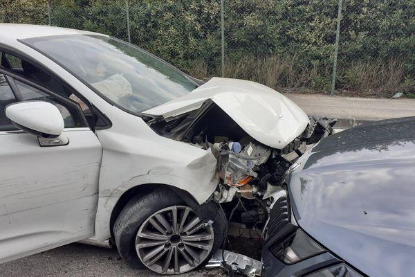 20/10/2021. Marseille : des policiers ont fait usage de leur arme pour stopper la course folle d'un automobiliste mercredi matin.