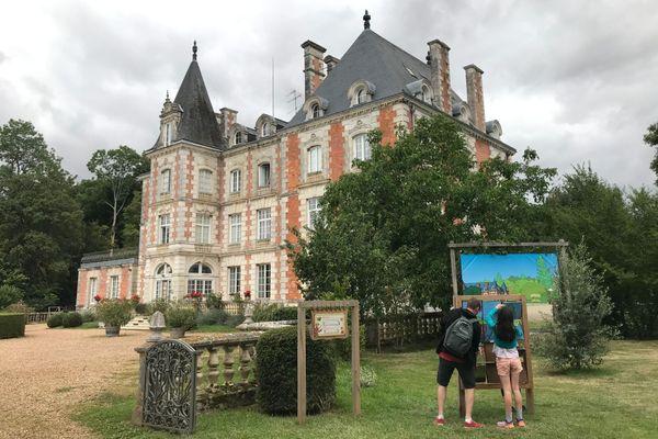 Le château du Rocheux à Fréteval dans le Loir-et-Cher est devenu le château des énigmes en 2014.