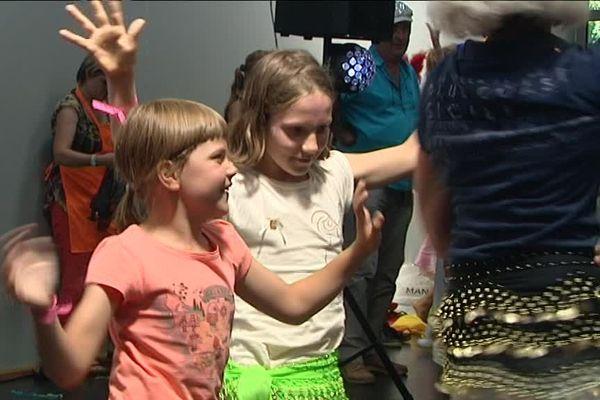 En rose, l'une des petites ukrainiennes accueillies par des familles alsaciennes.