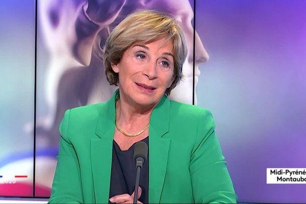Brigitte Barèges sur le plateau de France 3 Occitanie pour le débat du second tour des élections municipales.