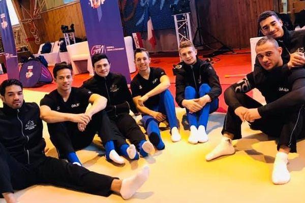 Les gymnastes masculins  Kevin Antoniotti, Enzo Fazari, Melwin Touchais, Hugo Carmona, Samir Ait Said et Loris Frasca de l'OAJLP lors des demi-finales.