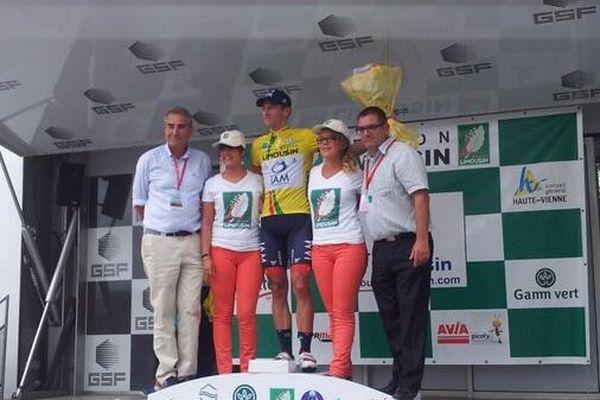 Martin Elmiger, vainqueur du Tour du Limousin sur le podium