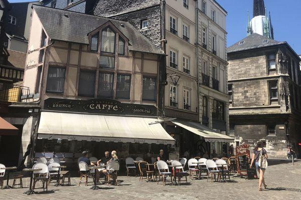 Les Rouennais vont enfin profiter des terrasses.