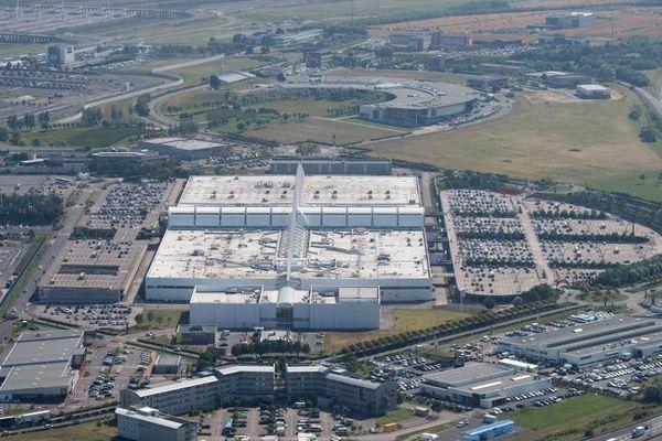 Cité Europe à Coquelles est le plus grand centre commercial du Nord Pas-de-Calais avec 142 magasins.