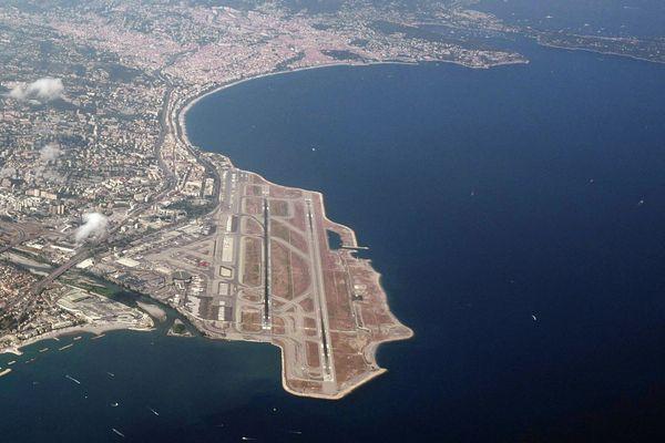En 2018, l'aéroport de Nice a vu transiter 13,85 millions de passagers.