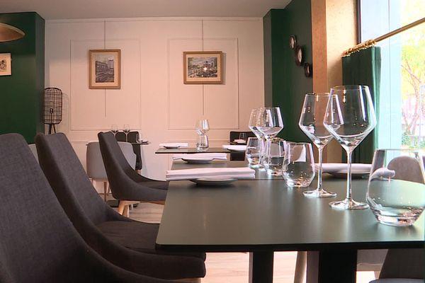 Dans ce restaurant Le Senso à Beauvais trois services du soir on été supprimés à cause de la mise en place du couvre-feu dans l'Oise