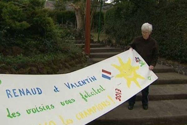 Les voisins auvergnats de Renaud Lavillenie et de son frère Valentin, tous les deux perchistes, soutiennent ardemment leurs champions au fil des compétitions.