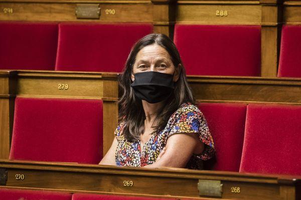 La députée de la République en Marche et journaliste, Sandrine Mörch reste silencieuse concernant les raisons de son vote en faveur de l'article 24