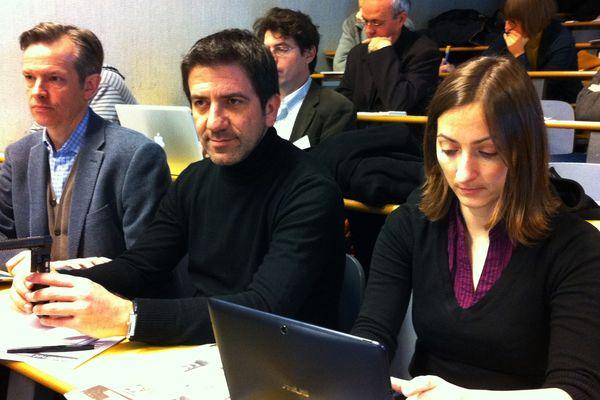Les journalistes luxembourgeois très attentifs aux échanges à la tribune.