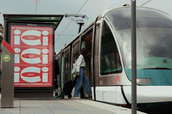 Depuis le 10 Juin et pour une semaine, certains panneaux de Strasbourg annoncent une campagne publicitaire consacrée aux projets bienveillants