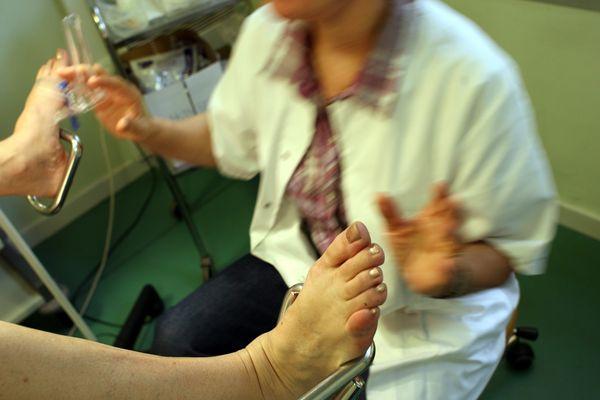 Les violences gynécologiques ont longtemps été taboues en France.