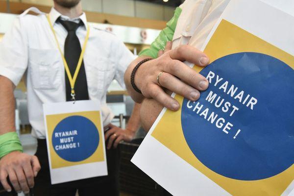 Les salariés de Ryanair occupaient ce matin l'aéroport belge de Charleroi.