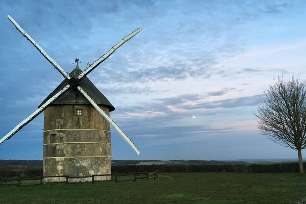 Le moulin de Migé dans l'Yonne se situe à une quinzaine de kilomètres d'Auxerre.