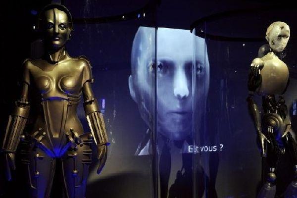 Loin du robot humanoïde de Fritz Lang, la robotique aujourd'hui se consacre au robot industriel