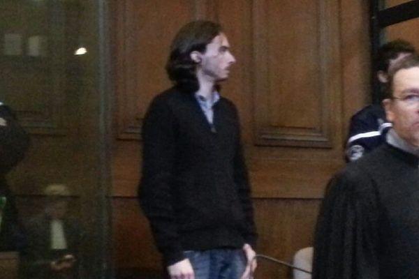 Gérald Seureau dans le box des accusés et son avocat Laurent Epailly