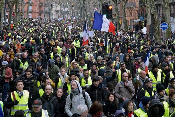 Les Gilets Jaunes ont prévu de défiler à nouveau dans les rues de Toulouse ce 12 septembre, manifestation interdite par le préfet pour cause de pandémie.