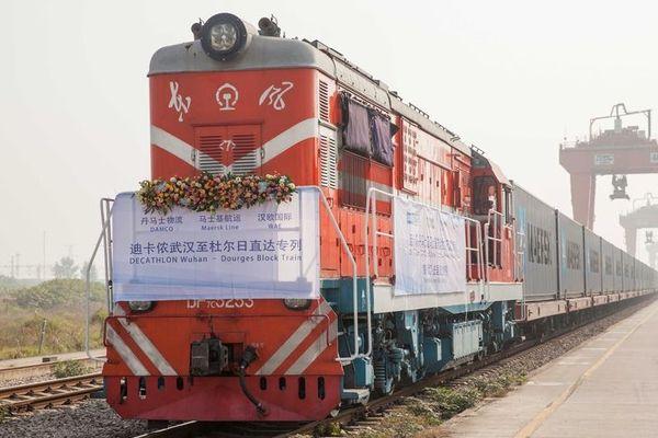 Coronavirus : le seul train de fret Chine-France à l'arrêt, Decathlon potentiellement touché.