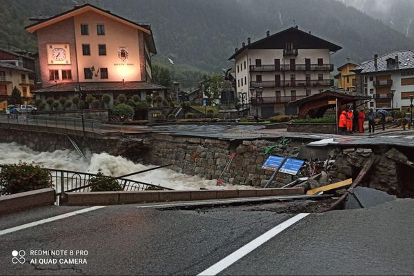 Le nord de l'Italie a été touché par d'importantes intempéries, causant la mort d'un pompier volontaire dans le Val d'Aoste.
