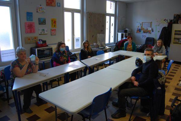 Les membres du Comité de quartier de Saint-Anne à Amiens (de g. à  d.) : Bérangère Ezewski, Maryline Lemaire, Isabelle Vanhecke, Caroline Manier, Michelle Jolly et Emmanuel Martos