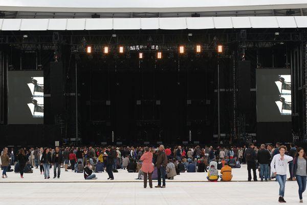 Le stade Marcel Michelin accueille pour la première fois un concert géant.