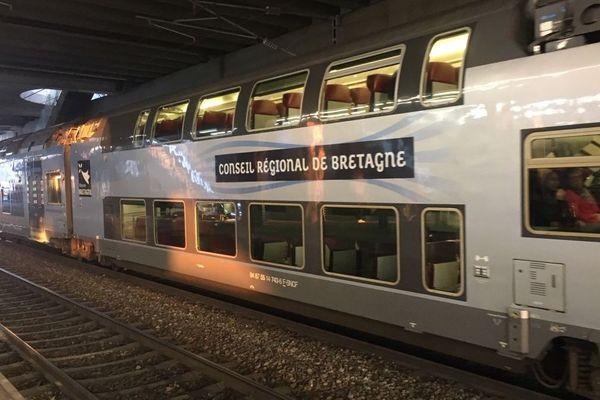 TER Bretagne en gare de Rennes