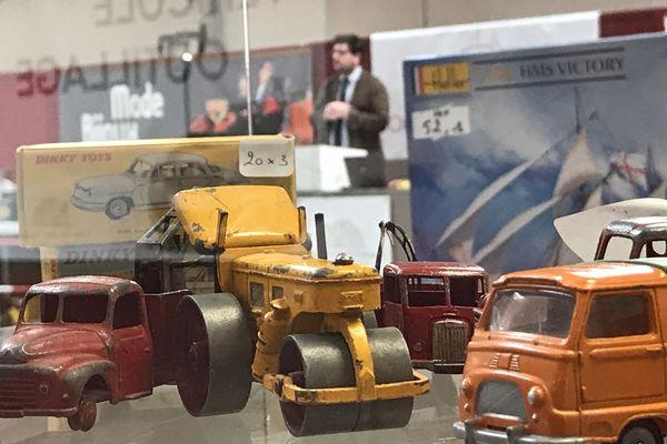 Des modèles réduits ont trouvé preneur au prix de leur mise en vente, une dizaine d'euros parfois.