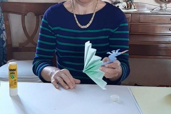 Stéphanie conçoit ses prototypes.