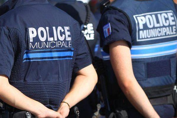 Les policiers de Noisy-le-Grand font de la prévention et de la surveillance pendant les vacances scolaires