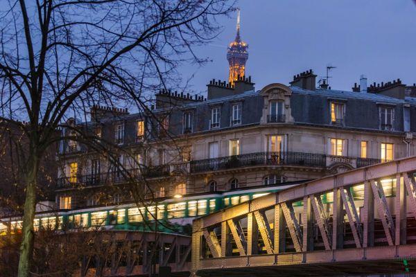 Seules huit lignes de métro fonctionneront après 20 heures ce jeudi 31 décembre à Paris.