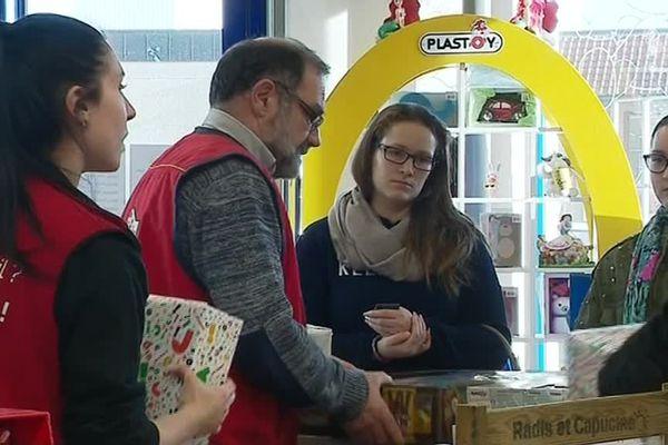 Retour de cadeaux en magasin, dans une enseigne de jouet à Bernay (27)