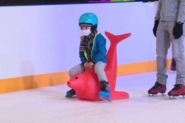 La patinoire Glaceo de Louviers a rouvert ses portes au public depuis le 23 juin 2020.