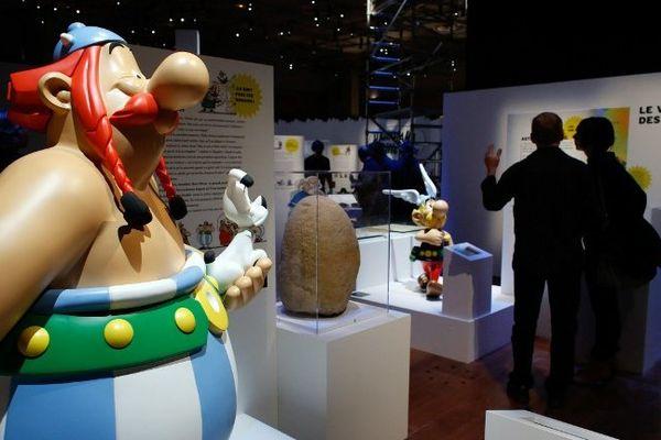 Asterix et Obelix investissent la BnF François Mitterrand jusqu'au 19 janvier 2014.