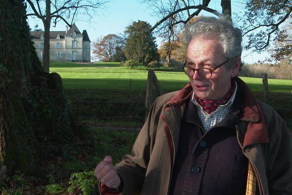 Olivier Le Clerc, propriétaire du château du Plessis Landry où a poussé le chêne de 400 ans.