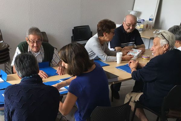 Comment travailler son attention et sa mémoire pour éviter ou retarder les problèmes ? Les « ateliers mémoire » organisés à Langeac (Haute-Loire) sont l'une des solutions pour les plus de 60 ans.