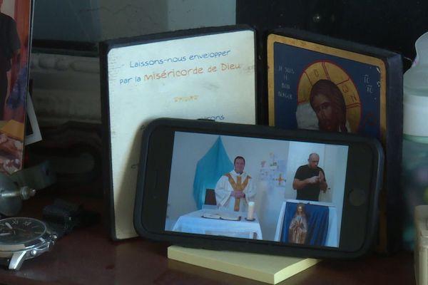 A Mornant, la messe est en ligne et traduite en langue des signes