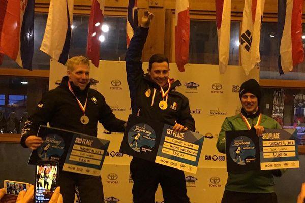 Maxime Montaggioni  sur la plus haute marche du podium.
