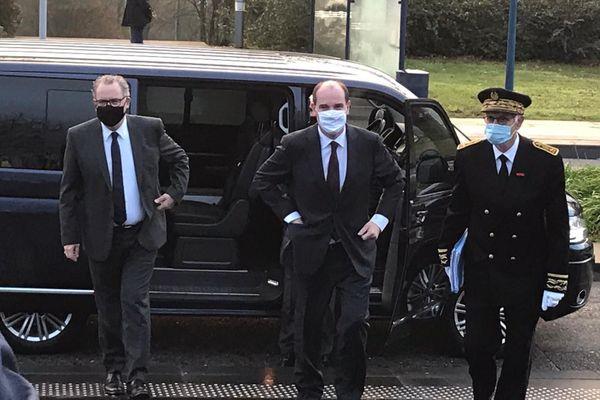 Jean Castex, le premier ministre, et Richard Ferrand, le président de l'Assemblée Nationale, arrivent au CHRU de Brest, le 20/11/2020.