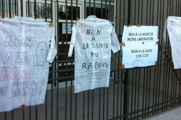 Opération escargot et rassemblement devant l'ARS à Bastia, le 13 novembre 2013