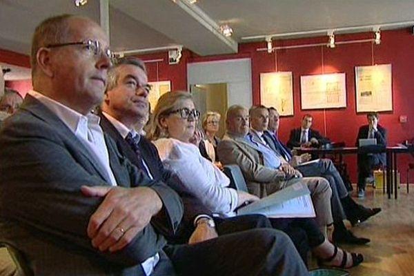 Un séminaire de travail a réuni parlementaires et élus locaux de l'UMP et l'UDI, lundi 8 juillet 2013, en Saône-et-Loire.