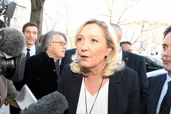 Nîmes - Marine Le Pen en campagne pour les Municipales - 14 février 2020.
