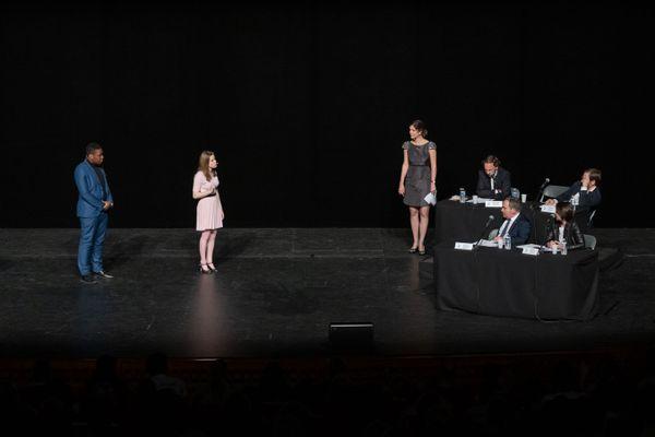 Les candidats en pleine prestation lors du concours national de l'éloquence en 2019