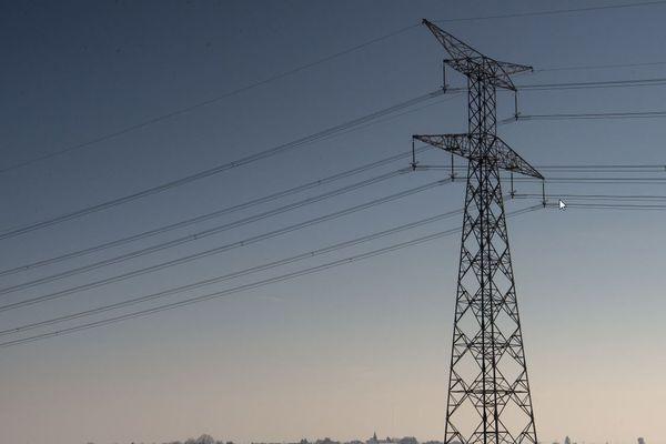 La neige tombée dans la nuit de mardi à mercredi a affecté une partie du réseau électrique d'Île-de-France. (illustration)