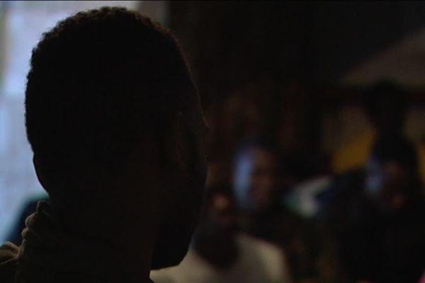 Un jeune ivoirien est décédé le 9 janvier à Clermont-Ferrand au CHU. La question de la prise en charge des mineurs isolées est posée.