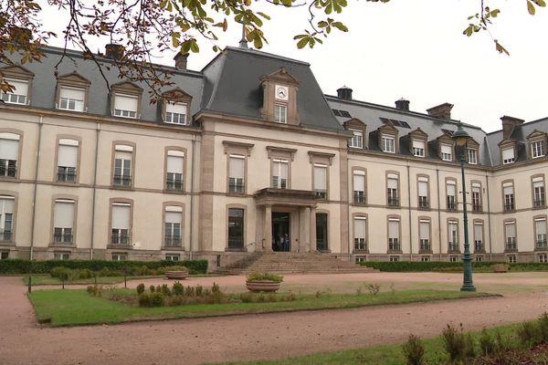 L'Hôtel-Dieu du Creusot.