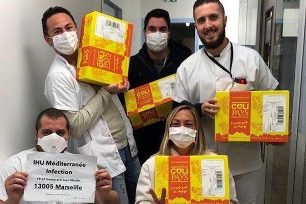 Cadeaux de soutiens aux personnels de l'IHU à Marseille en provenance de La Réunion
