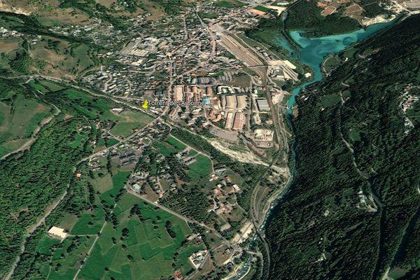 Le Torrent de l'Arbonne à Bourg-Saint-Maurice (Savoie) est en crue